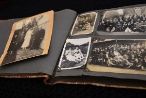Fotoalbum mit alten Erinnerungen